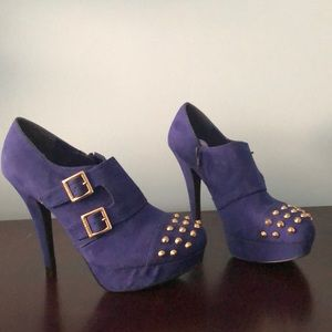 Guess size 8M heel.